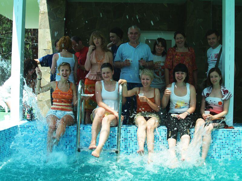 После занятий в бассейне отеля Леополис